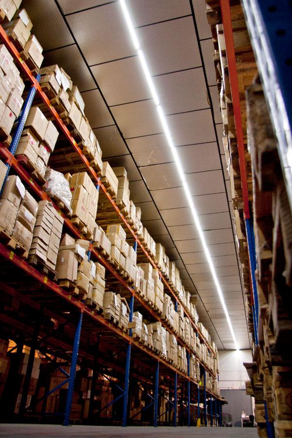 Ledind.es implementa su iluminación LED en el almacén de Loydis Gifts International